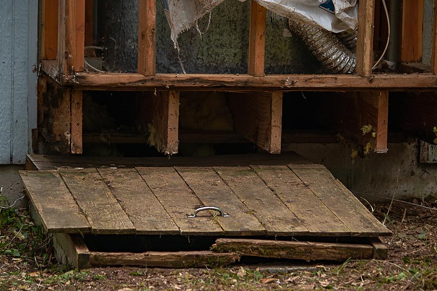 repairing of the crawl space